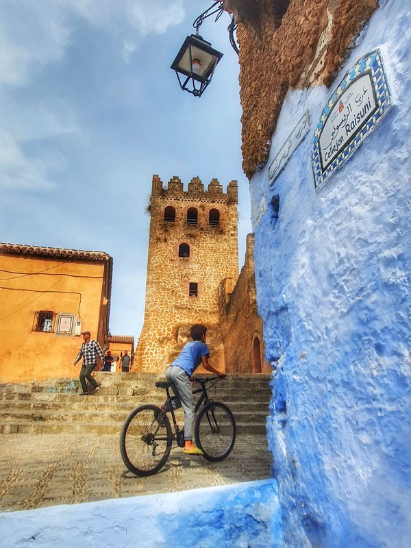 Bicycle in Chefchaouen thumbnail