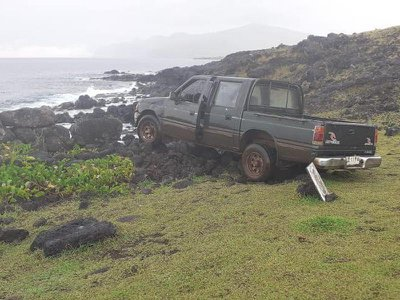 A pickup truck collided with a moai statue and platform on Eastern Island.