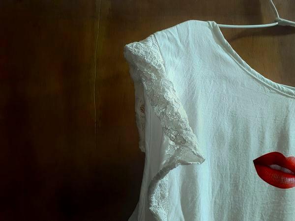 Dress code, indoors - serie 04 thumbnail