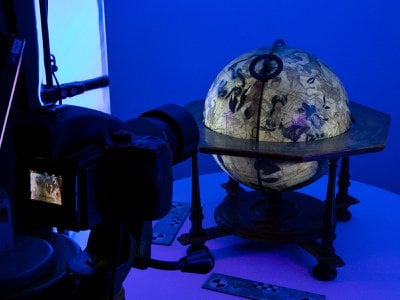The British Library has digitized ten historical globes from its collection.