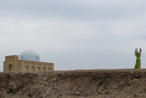 Old meets new and new meets old in Turkmenistan thumbnail