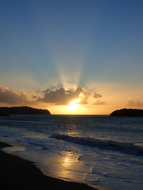 an awe inspiring sunset over Choc Bay in St Lucia thumbnail
