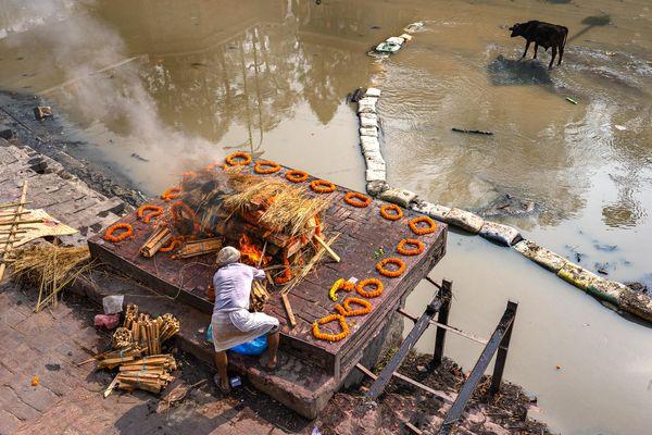 Hindu Cremation Last Rites thumbnail