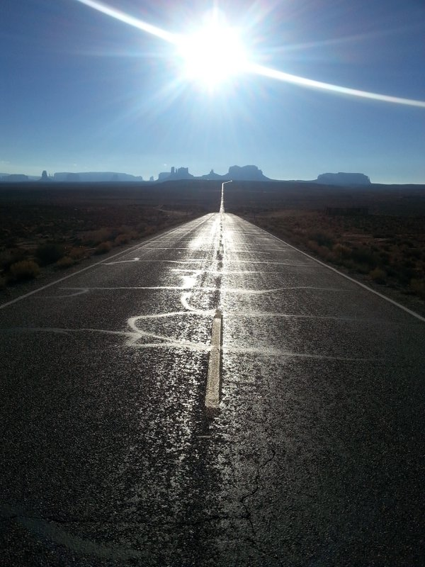 Monument Valley Iconic Road thumbnail