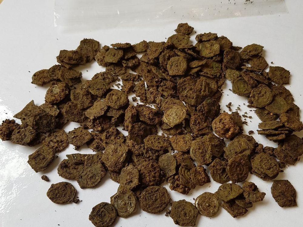Pile of potins