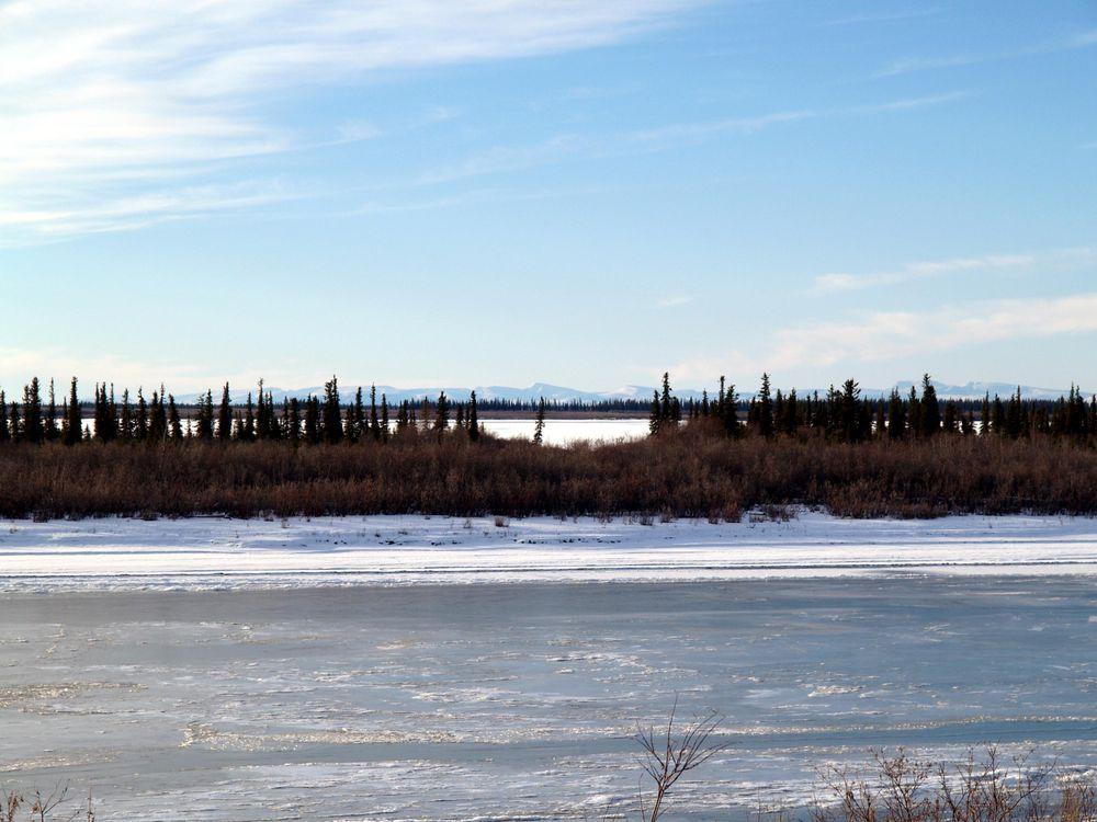 Mackenzie_River_Freeze-up_(55415765).jpg