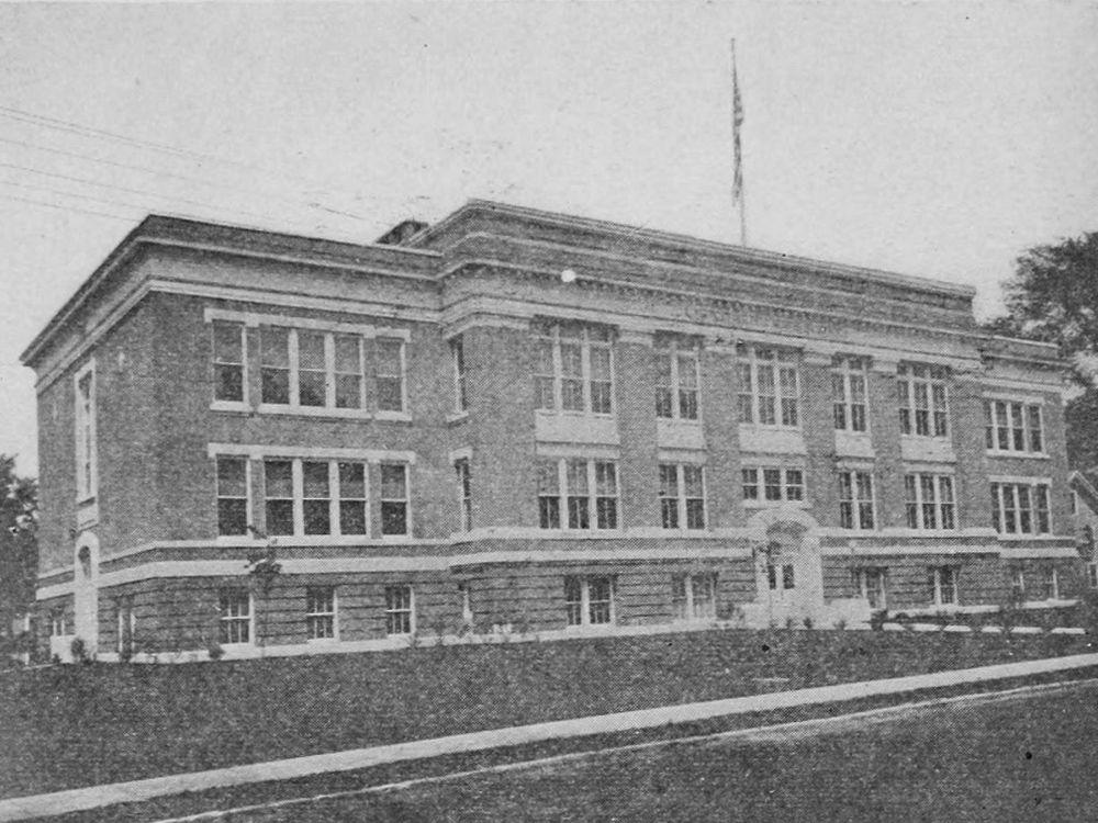 Montpelier High School, 1915
