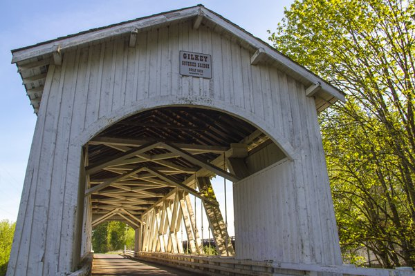 Gilkey Covered Bridge in Spring thumbnail