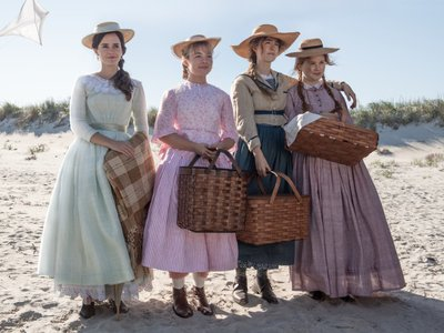 """Florence Pugh (second from the left) plays Amy March in """"Little Women"""""""