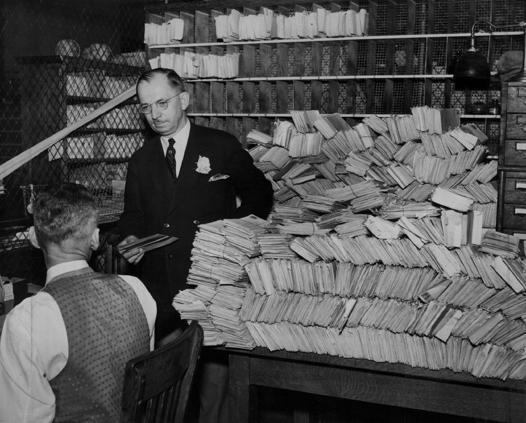 Before Chain Letters Swept the Internet, They Raised Funds for Orphans and Sent Messages From God