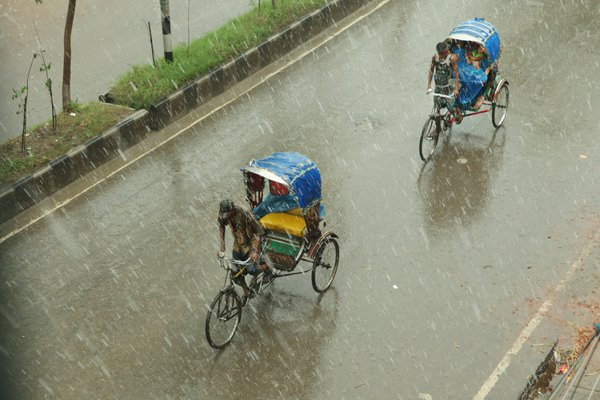 Rain and Rickshaws thumbnail