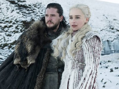 In the television adaptation, Kit Harington and Emilia Clarke play point-of-view characters Jon Snow and Daenerys Targaryen.