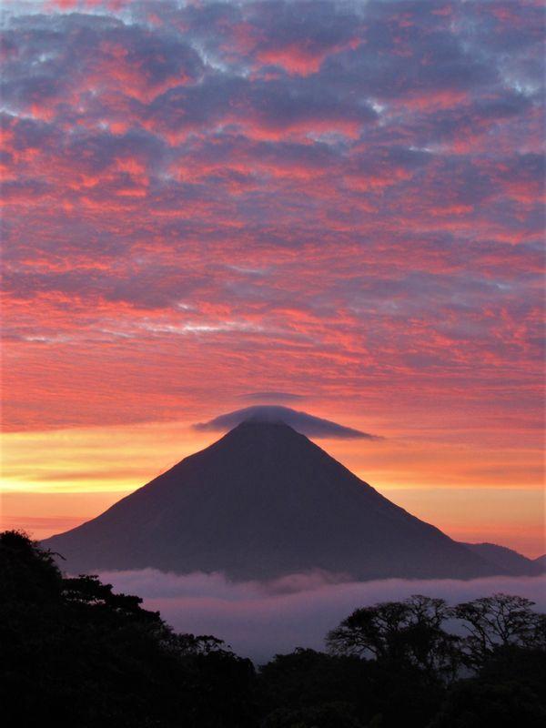 Arenal Sunrise thumbnail