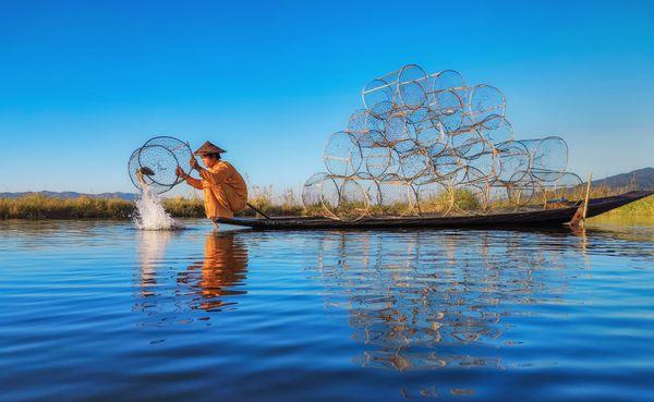Fisherman at Inle Lake thumbnail