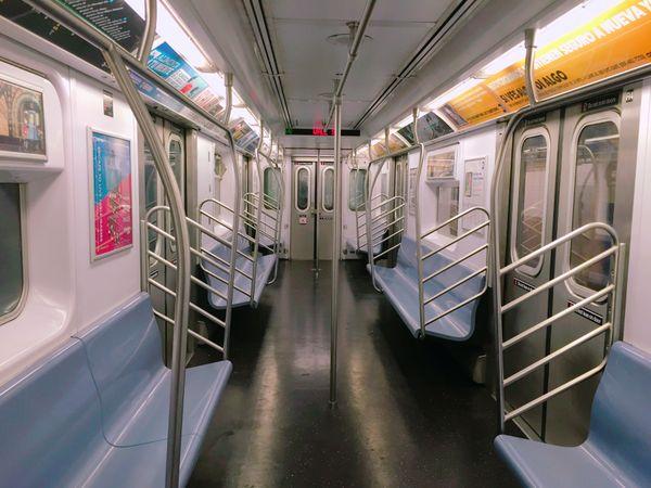 Weekend subway, drive you crazy! thumbnail