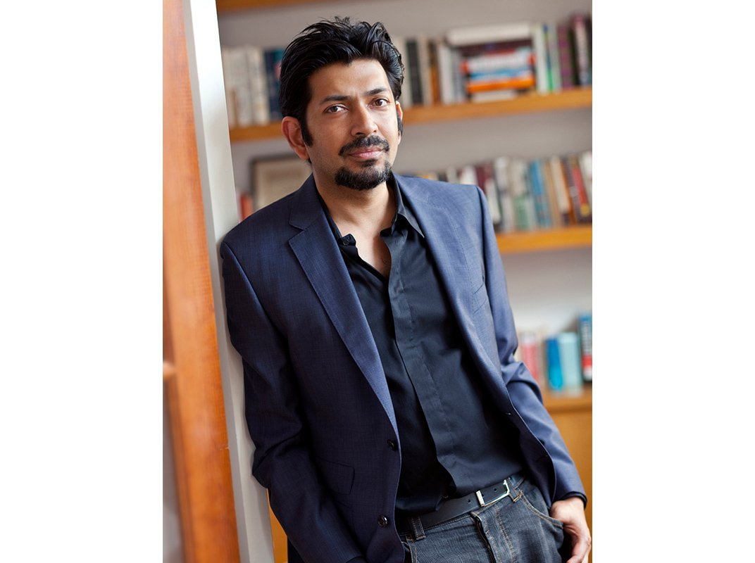 """Siddhartha Mukherjee Follows Up Biography of Cancer With """"An Intimate History"""" of Genetics"""
