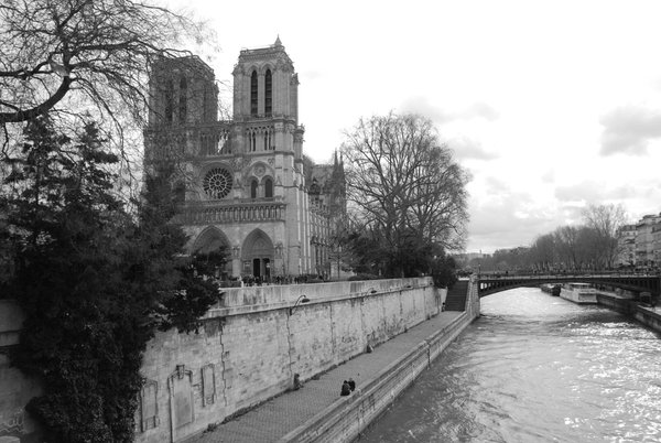 Notre Dame before the fire thumbnail