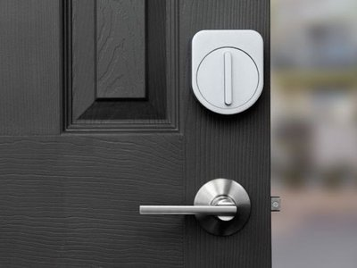 This smartphone-controlled lock could replace your keys.