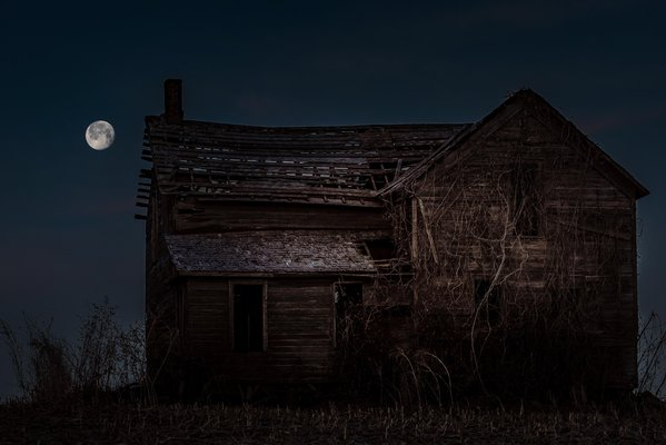 Old Abandoned Farmstead. thumbnail