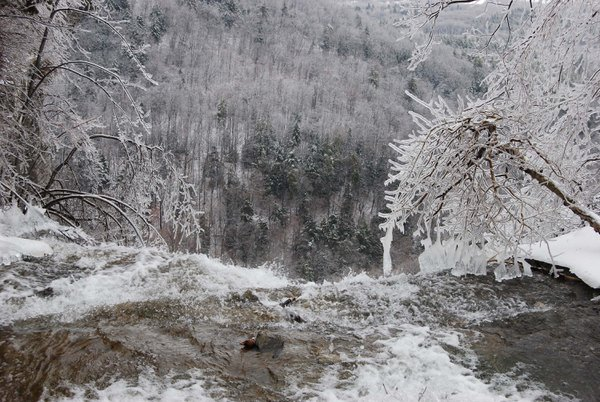 Looking over a waterfall on the Helderberg escarpment after an ice storm thumbnail