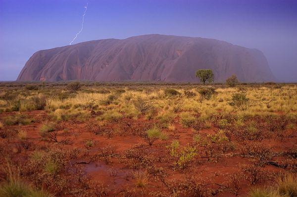 Uluru Lightning Strike thumbnail