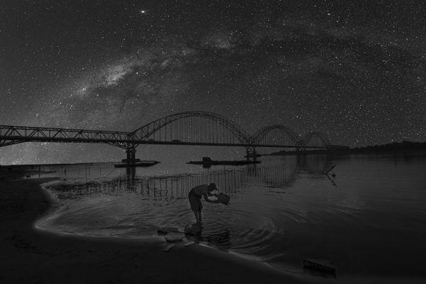 Beautiful life from river and Galaxy. thumbnail