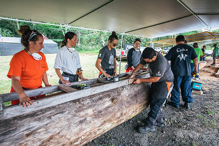 Alexis Ching Womens Canoe Carving