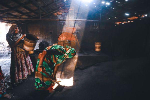 Woman worker thumbnail