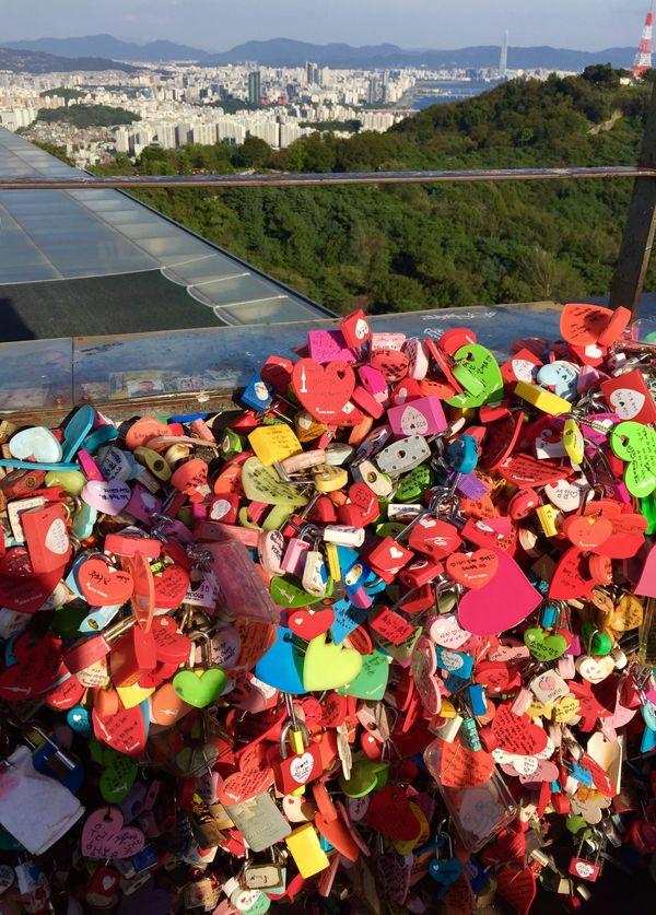 Colorful locks N.Seoul Tower thumbnail