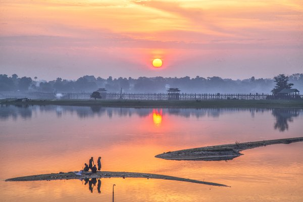 The sunrise of U Pain Bridge thumbnail