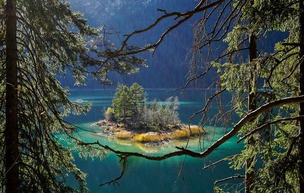 Isolated island paradise thumbnail