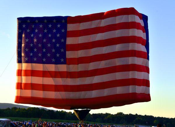 American Flag Hot Air Balloon thumbnail