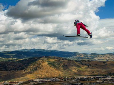The V flying position is important to increase distance. (Image: Ben Pieper Photography)