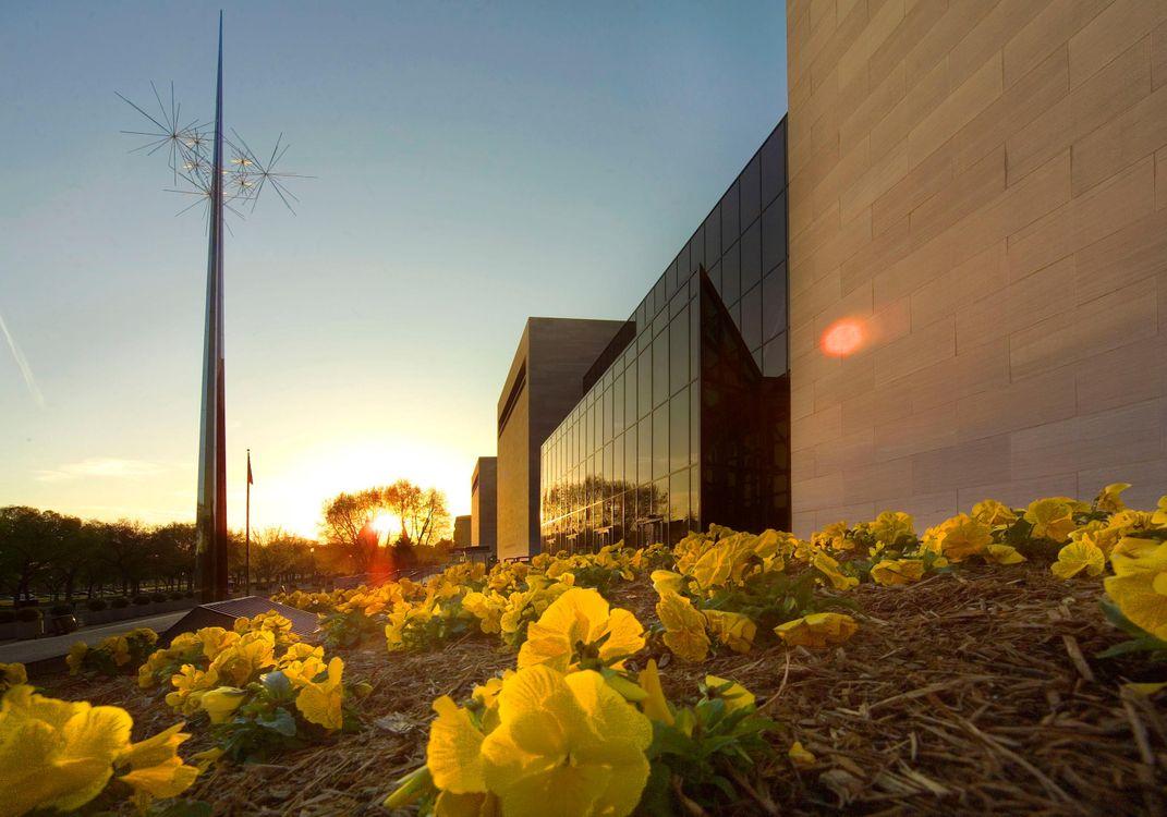 Jeff Bezos Gifts Historic $200 Million to the Smithsonian