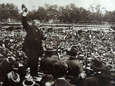 Ex-president Theodore Roosevelt speaks to crowds in Mineola, New York, in support of US entry into the First World War, 1917