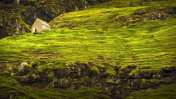 A shed on the coastline of Streymoy Island, Faroe Islands thumbnail