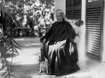 """Queen Liliʻuokalani (above in Honolulu in 1917) """"was one of the most successful composers . . . so much so that her repertoire remains at the forefront of those performed by Hawaiian musicians today,"""" says the Smithsonian's John Troutman"""