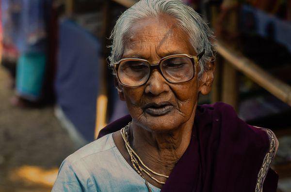 Portrait of an elderly lady thumbnail