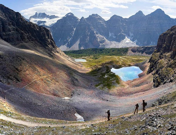 Hikers in Larch valley thumbnail