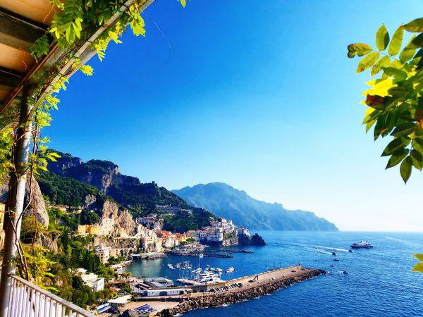 Amalfi and limoncello thumbnail