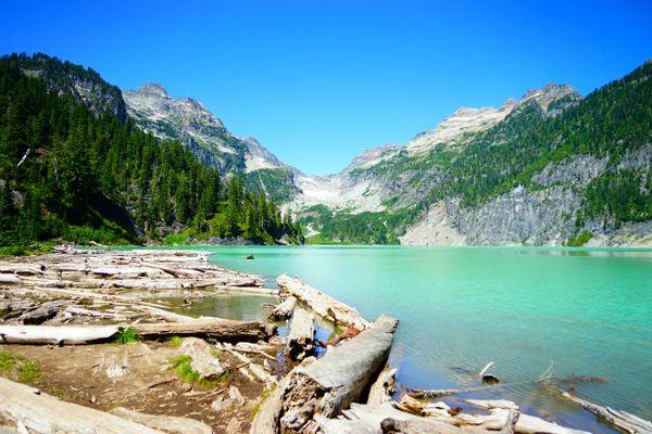 Turquoise water at Blanca Lake thumbnail