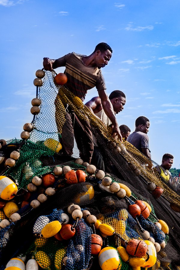 Fishermen, Bosomtwi Sam Fishing Harbor, Takoradi, Ghana thumbnail