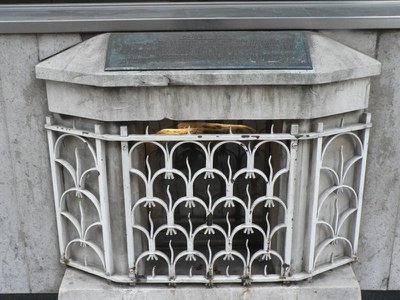 London Stone sat largely unnoticed behind this iron grill for roughly 50 years