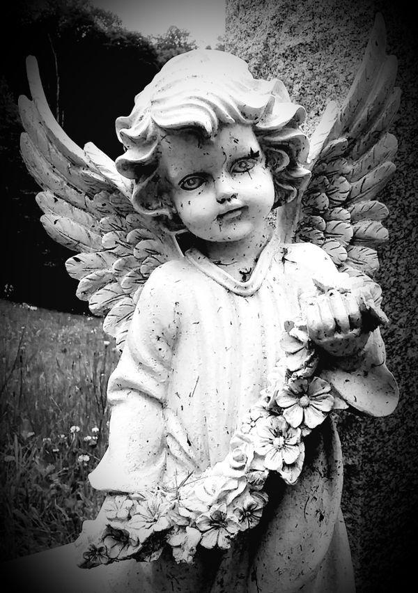 Grave angel thumbnail