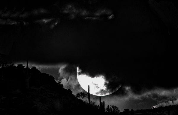 B-W Moon Rise thumbnail