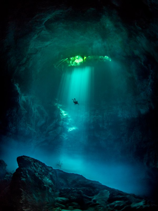 Diver in the sunbeams at The Pit thumbnail