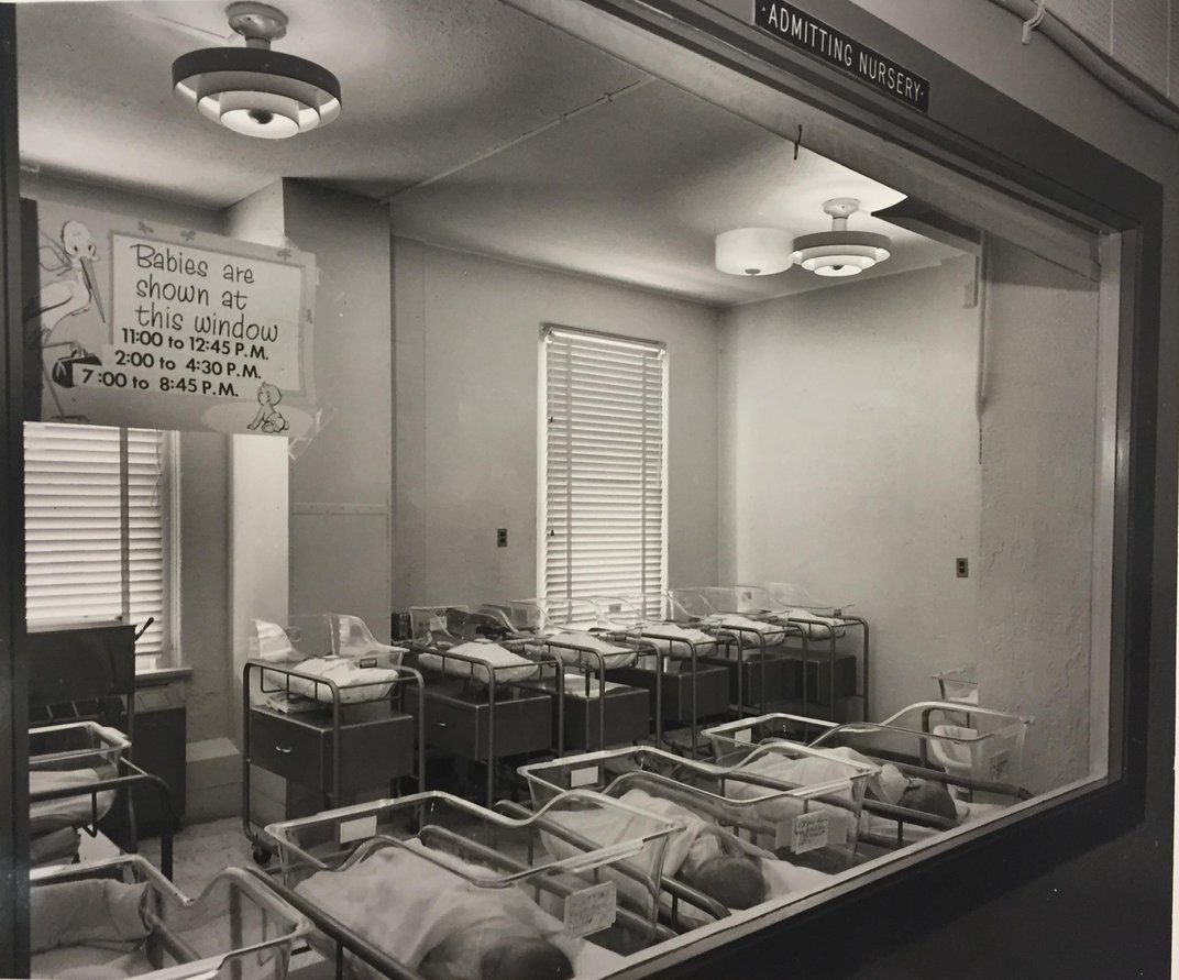 Why Hospitals Started Displaying Newborn Babies Through Windows