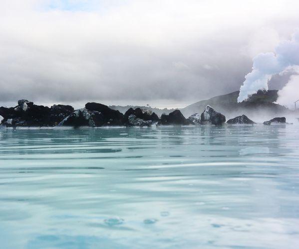 An inspiring morning at the Blue Lagoon, Iceland thumbnail