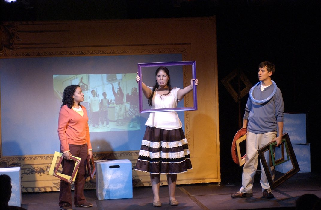Retratos performed at Smithsonian's Discovery Theater