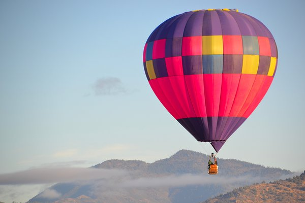 Single Hot Air Balloon over Shasta Valley thumbnail